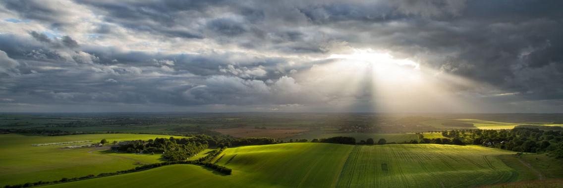http://londonbusinessenglish.net/wp-content/uploads/2014/09/country-sun-cloud1-1136x380.jpg